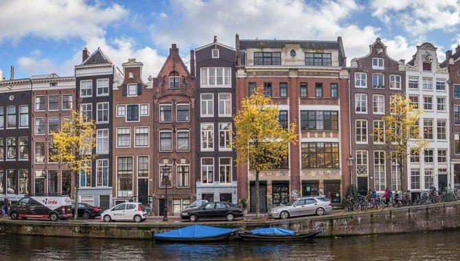 Wat is het verschil tussen de taxatiewaarde en de WOZ-waarde van een woning?
